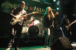 VARGAS BLUES BAND: MARINALEDA HEAVY CITY